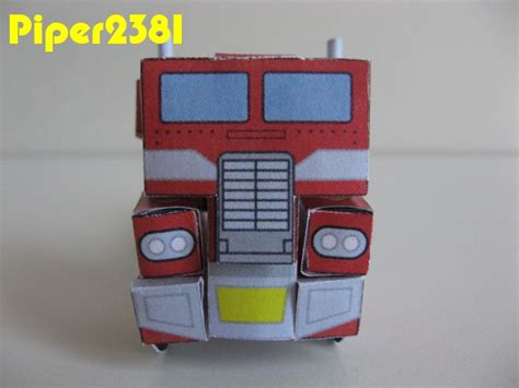 Optimus Prime Papercraft - piper2381 optimus prime papercraft