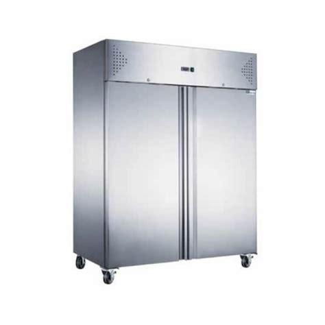Armoire Refrigeree Positive by Armoire R 233 Frig 233 R 233 E Positive 2 Portes 1400l Sur Roulettes