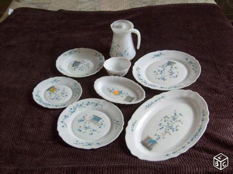 marque de vaisselle de table service de table arcopal myosotis