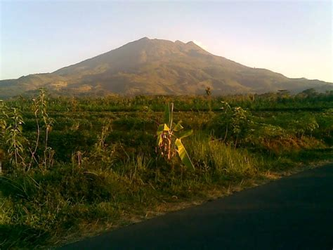 lima gunung paling angker di indonesia info seputar misteri lima gunung paling angker di indonesia mysterious thing