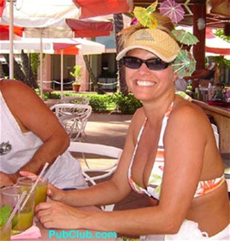 waikiki beach best bars top tourist & locals spots
