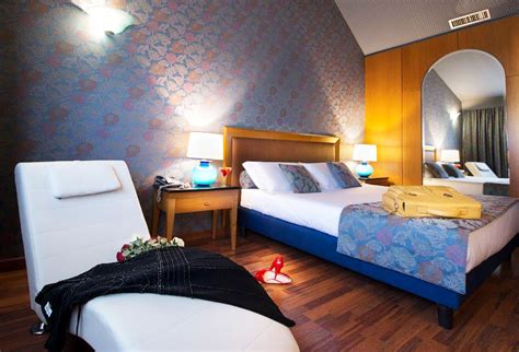 hotel con camere con vasca idromassaggio con vasca idromassaggio weekend romantico