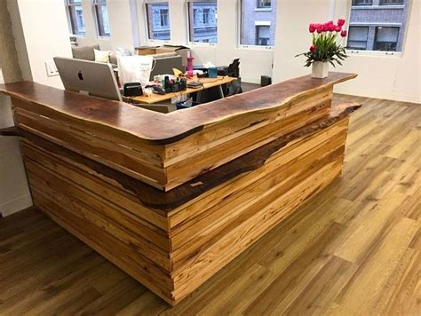 Wood Reception Desks 25 Home Offices That Celebrate The Charm Of Live Edge D 233 Cor