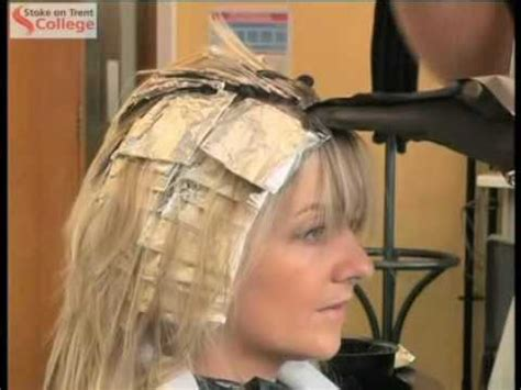 how many packets between a full hair foil and a partial foil hairdressing applying colour using foils or meche youtube