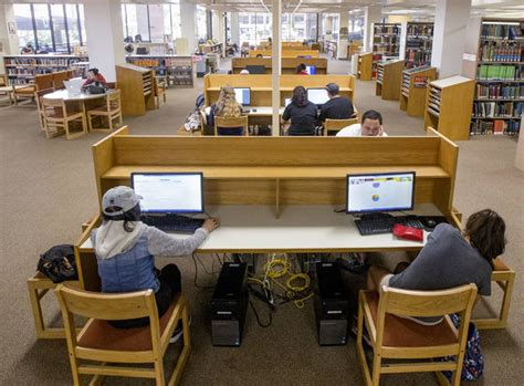 Uh Financial Aid Office by Uh Hilo Expects To Increase Financial Aid Hawaii Tribune