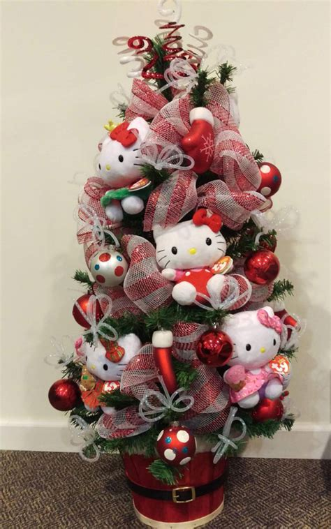 pretty christmas decor   kitty theme home