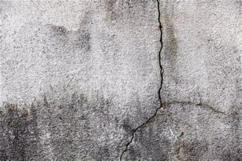 Risse Im Beton Sanieren by Betonsanierung Kleine Betonrisse Selber Ausbessern