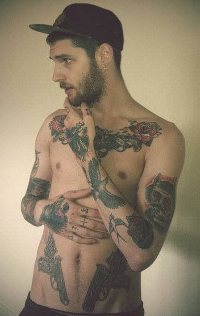 tattoo guy pictures hot tattooed guy hot tattooed guys