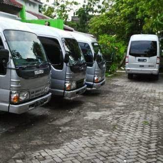 Ace Maxs Di Semarang sewa dutro hi ace di semarang nyewain