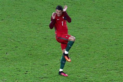 Año 0 Calendario Cristiano Europei 2016 Cristiano Ronaldo Terrorizzato Lo Scatto