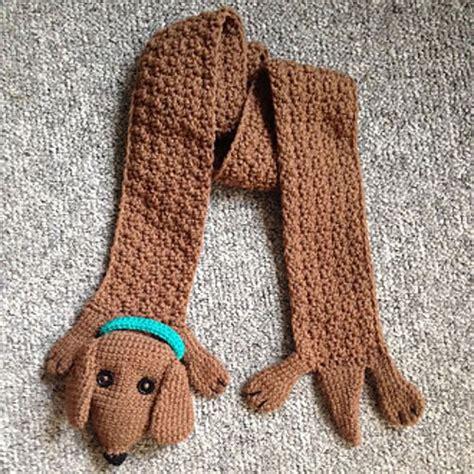 pattern crochet dog dog crochet wiener dogs and crochet scarfs on pinterest