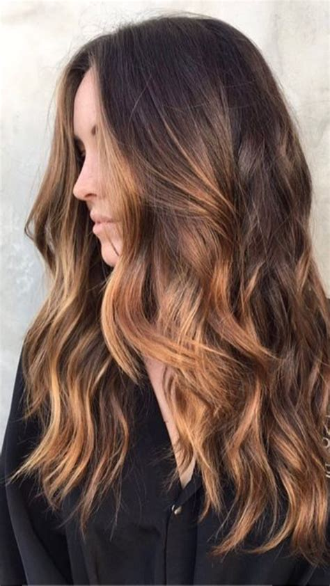 cual es el color balayage highlights what to ask for warm caramel highlights through a