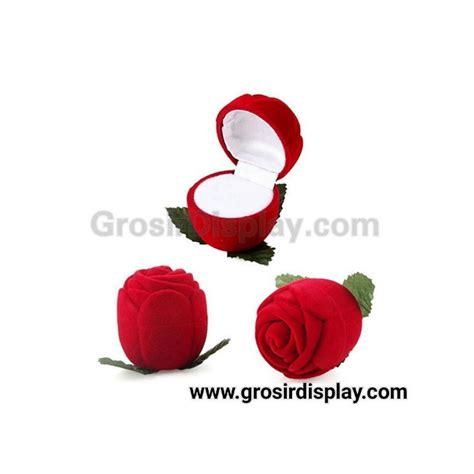 Tempat Anting Bludru Pink Display Pajangan Perhiasan Toko Aksesoris kotak display cincin bentuk mawar kecil pajangan display seserahan lamaran perlengkapan