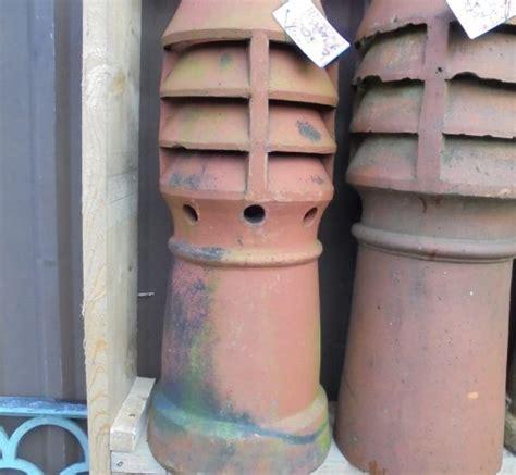 Produk Pot Tawon Putih Uk 12 salvaged louvred chimney pot authentic reclamation