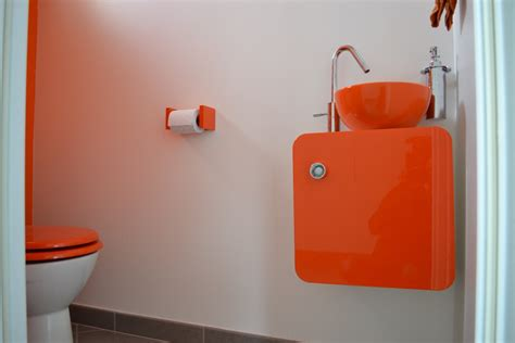 Charmant Chambre Salle De Bain #5: Toilettes-Blanc-Orange-Lumineux-201302112137200l.jpg