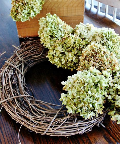 how to make wreaths 1000 ideas about hydrangea wreath on pinterest wreaths