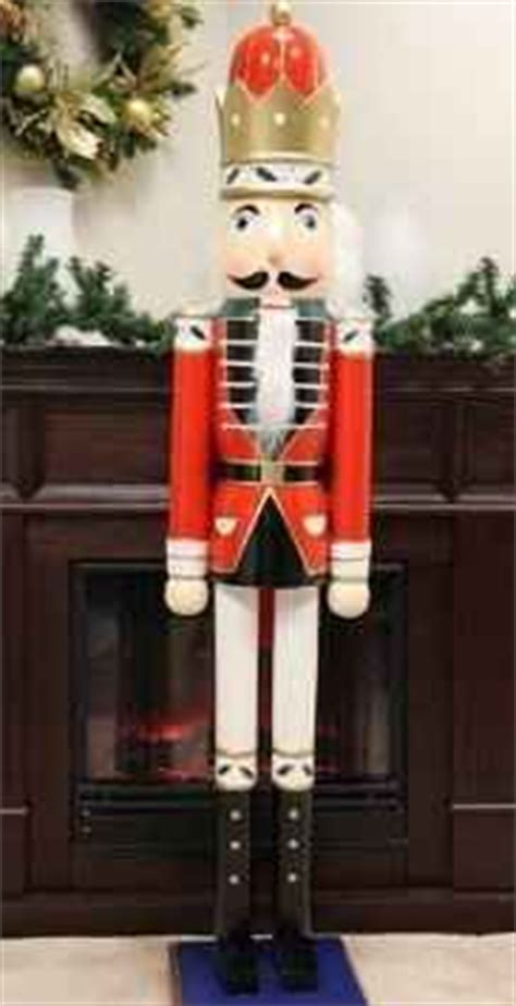 cheap nutcracker soldiers 1000 images about nutcracker tin soldier on nutcrackers soldiers and tins