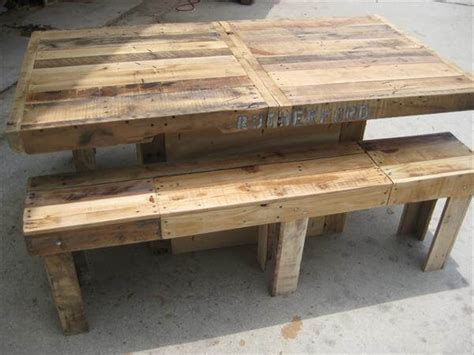 Pallet Dining Table Diy Diy Pallet Wood Dining Table 101 Pallets