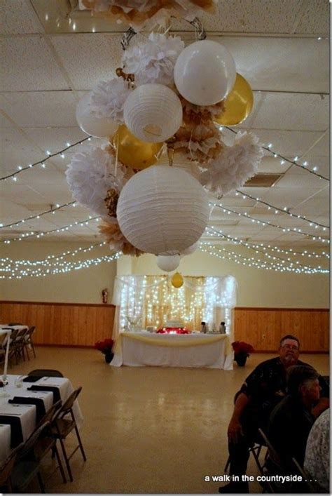 17 best ideas about anniversary decorations on chagne color spray paint