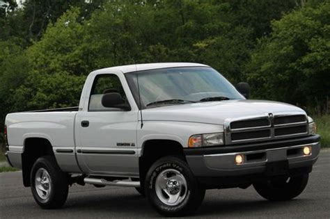 how to sell used cars 1999 dodge ram 1500 free book repair manuals find used 1999 dodge ram 1500 4x4 5 2l v8 slt short box clean carfax one owner only 71k in
