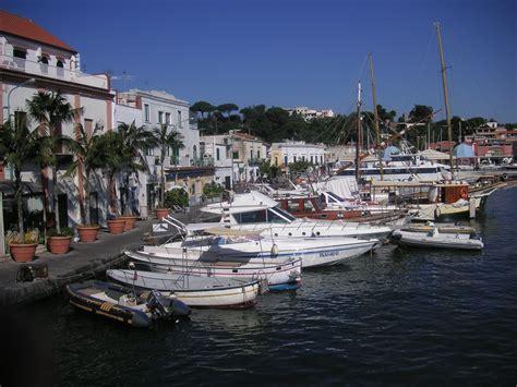 hotel a ischia porto hotels in ischia porto ponte ischia tipps