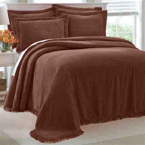 brown chenille bedspread decor ideas