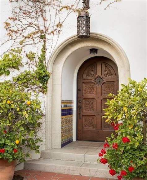colonial style front doors tour a classic 1920 s spanish colonial style home in