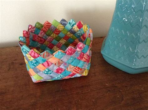 How To Make A Woven Basket Out Of Paper - free tutorial woven fabric basket by terry atkinson