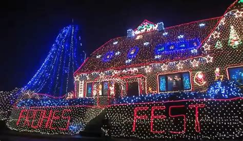 top 10 of the world s most amazing christmas light