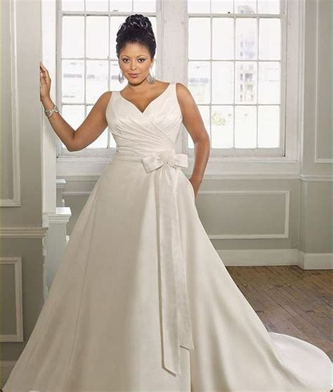 Tips On Dressing For Wedding by Wedding Dress Shopping Tips For Plus Size Brides On A Budget