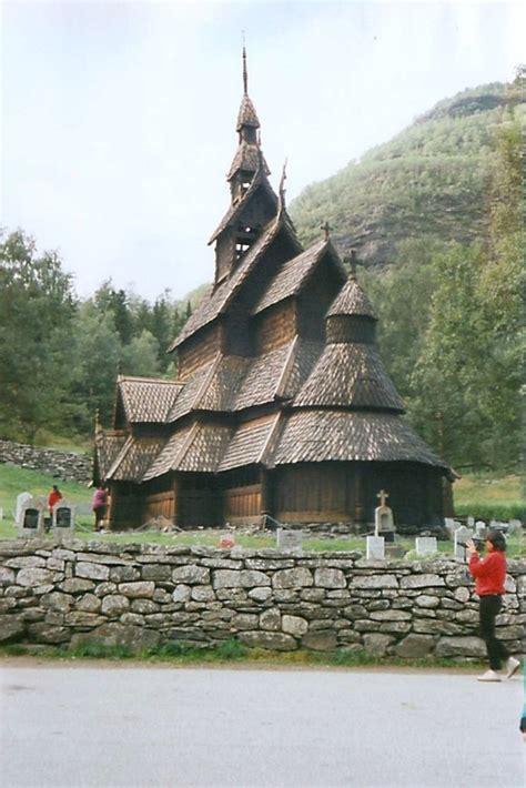 norvegia turisti per caso stavkirke viaggi vacanze e turismo turisti per caso