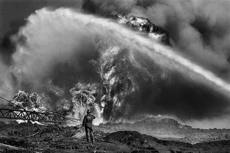 sebastiao salgados shots   burning kuwait  british journal  photography