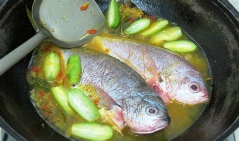 Minyak Kemiri Warna Kuning resep ikan ekor kuning bumbu acar kuning sedap resep