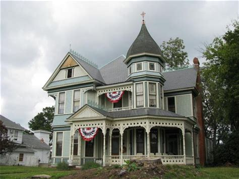 victorian houses old haunted victorian house creepy old haunted houses