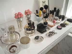 Makeup Vanity Organization Tips Handig 5 X Idee 235 N Om Je Make Up Op Te Bergen