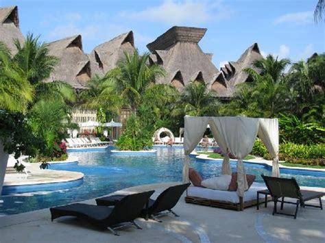 what s the difference mayan palace grand mayan grand bliss grand inner pool area reserved for grand mayan guests no mayan