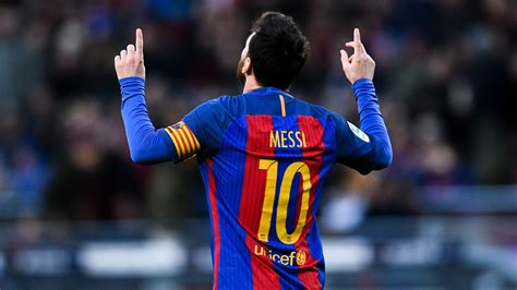 the best of lionel messi lionel messi agrees new barcelona deal until 2021 news