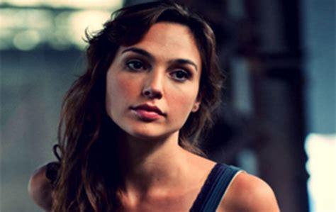wonder woman actor name 2017 gal gadot cast as wonder woman image