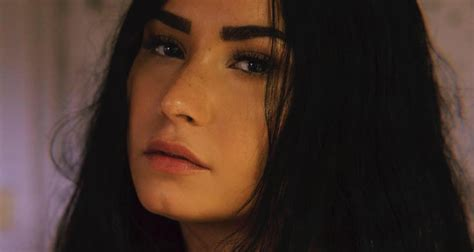 demi lovato sober lirik demi lovato confesses she broke her sobriety in new song