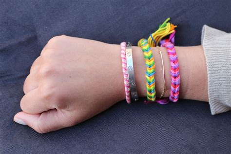 DIY Friendship Bracelets: Fishtail Braid.   The Stripe