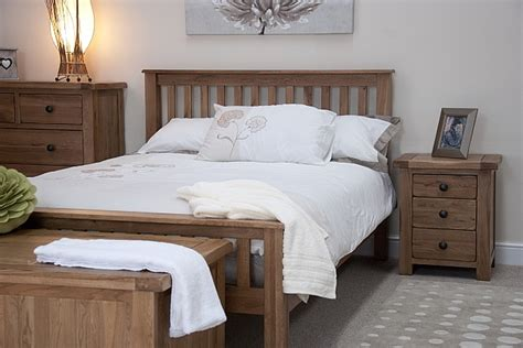 Rustic Oak Bedroom Furniture Tilson Solid Rustic Oak Bedroom Furniture 5 King Size Bed