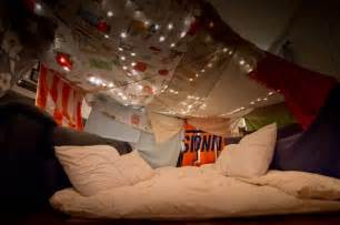 pillow and blanket fort www pixshark images