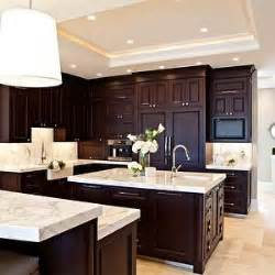 Coffee Color Kitchen Cabinets 25 Best Ideas About Travertine Tile On Brown Tile Bathrooms Travertine Countertops