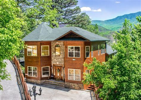 Cing Cabin Rentals by King Of The Mountain Chalet In Gatlinburg W 7 Br Sleeps16