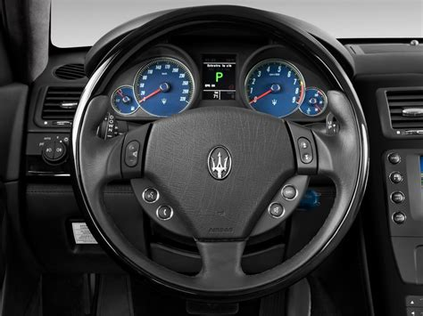 maserati steering wheel driving image 2015 maserati quattroporte 4 door sedan