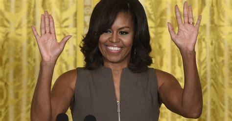 obama s favorite color kate middleton wears a brooch 2016 popsugar