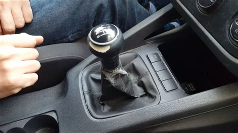 Shift Knob Removal by How To Remove Gear Shift Knob Gaitor Boot Vw Golf Mk5