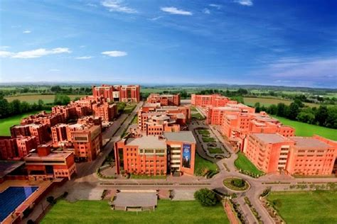 Amity Noida Mba In Hospitality by Amity Noida Admissions Contact Website