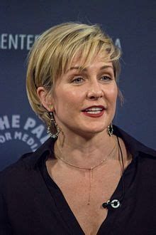 linda reagan blue bloods short hair more of amy carlson s hair hairstyles pinterest amy