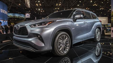 toyota kluger hybrid 2020 5 questions answered about the 2020 toyota highlander